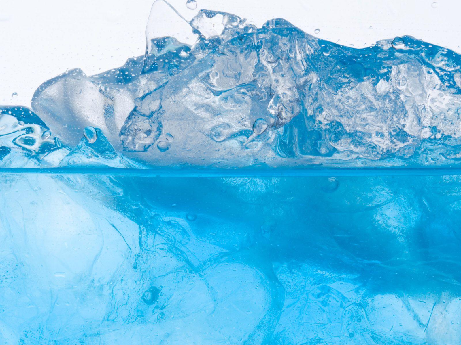 Напиток со льдом обои для рабочего стола скачать бесплатно 1600x1200